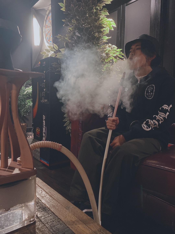シーシャの吸い方